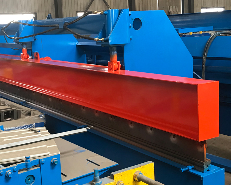 4 Meters Hydraulic Roof Sheet Bending Machine1