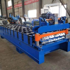 Color metal sheet rolling machine for roof