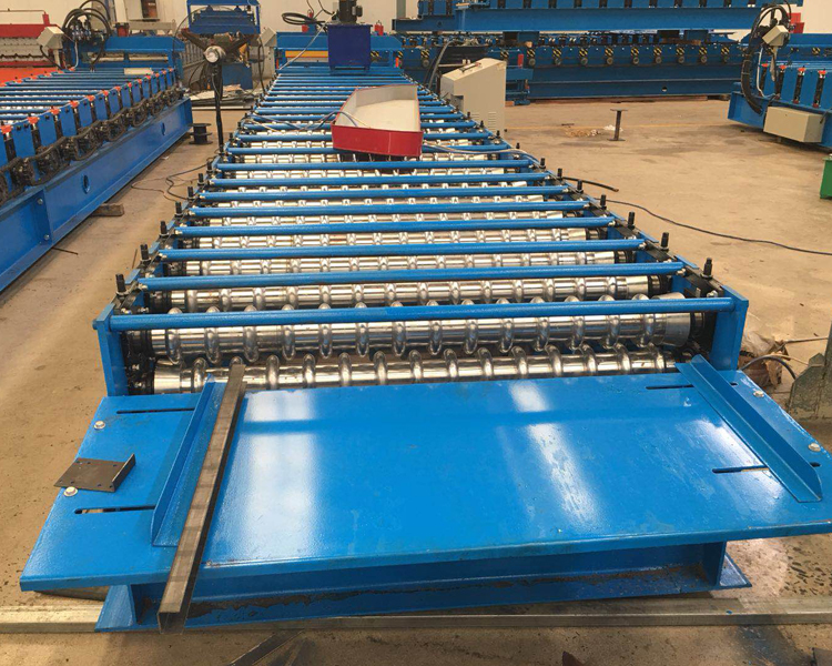 corrugated roof machine1