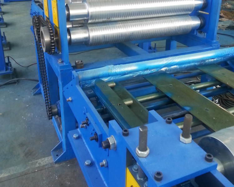 Pu Sandwich Roof Roll Forming Machine1