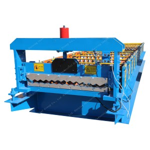 Galvanized panel roll forming machine