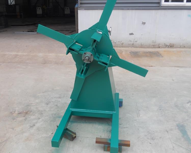 5 Ton Hydraulic Galvanized Steel Coil Decoiler11